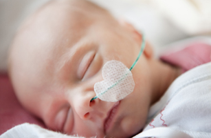 premature baby in intensive care