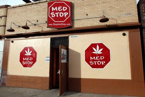 Medical marijuana dispensaries aren't linked with crime